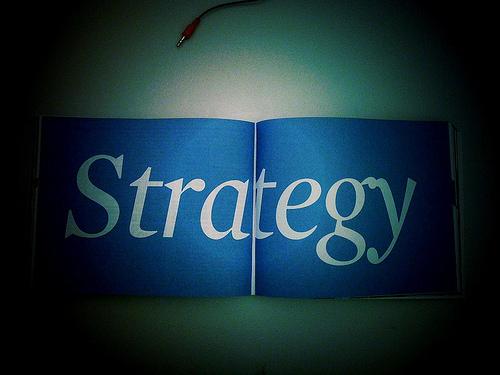 戦略と書かれたノート