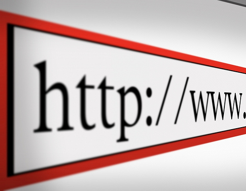 ウェブサイトURL