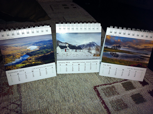 並んだカレンダー